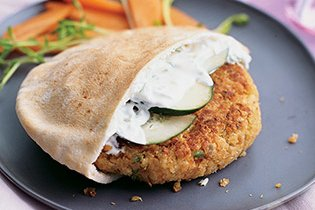 Quinoa-burgerek görögösen