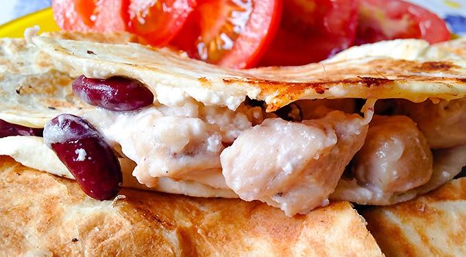 Recept! Quesadilla csirkemellel és vörös babbal