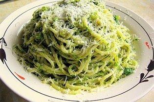 Rukkolás, pesztós spagetti