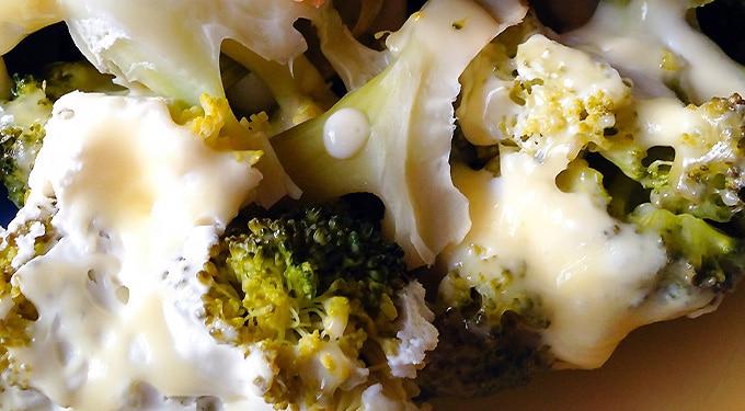 Sajtos-joghurtos brokkoli – könnyű ebéd, akár vegáknak is