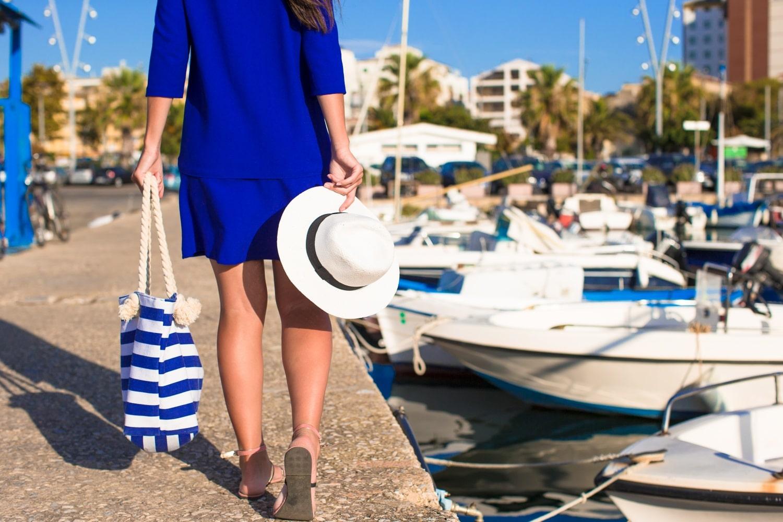 Sokzsebes, csinos és praktikus darabok – nézz szét a legjobb strandtáskák között!