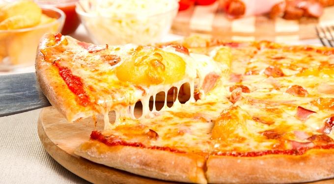 Sonkás-krumplis pizza