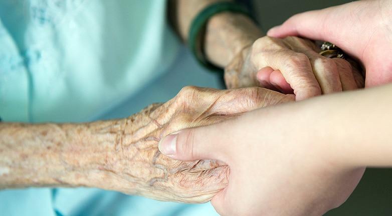 Sorsára hagyták a 90 éves nénit a kórházban