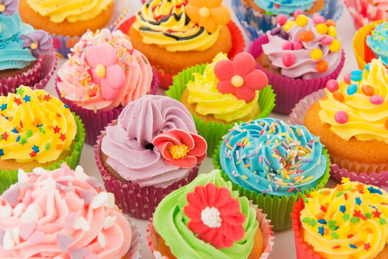 Színes, habos süticsodák: így készül a hamisítatlan amerikai cupcake