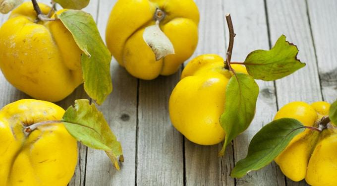 Téli ropogtatnivaló a kilók ellen: így fogyhatsz birsalmával