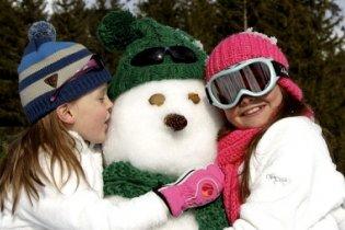 Téli veszélyek: tanácsok szülőknek és gyerekeknek