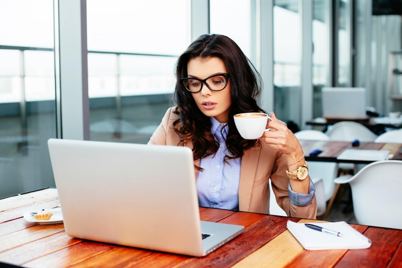 Túlzásba viszed a melót? – Túlélőcsomag workaholic csajoknak