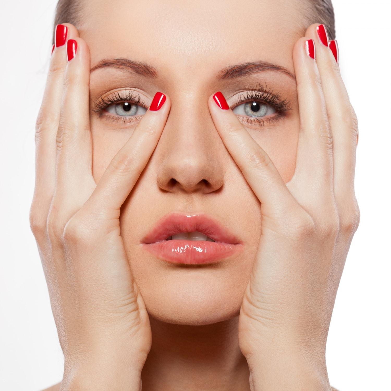 Természetes módszer ráncok ellen: így működik az arcjóga