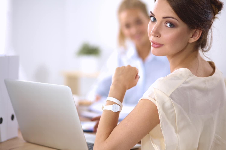 Tippek, hogy ne remegő gyomorral kezdj az új munkahelyeden