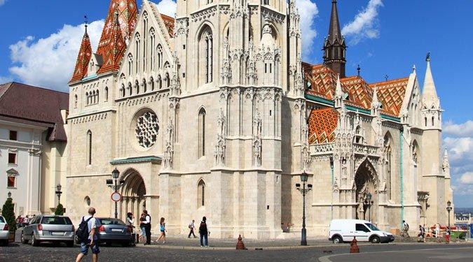 Vallások és templomok Magyarországon