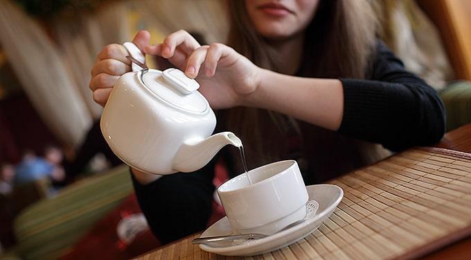 Zöld, fekete és fehér tea – Mik a hasonlóságok és a különbségek?