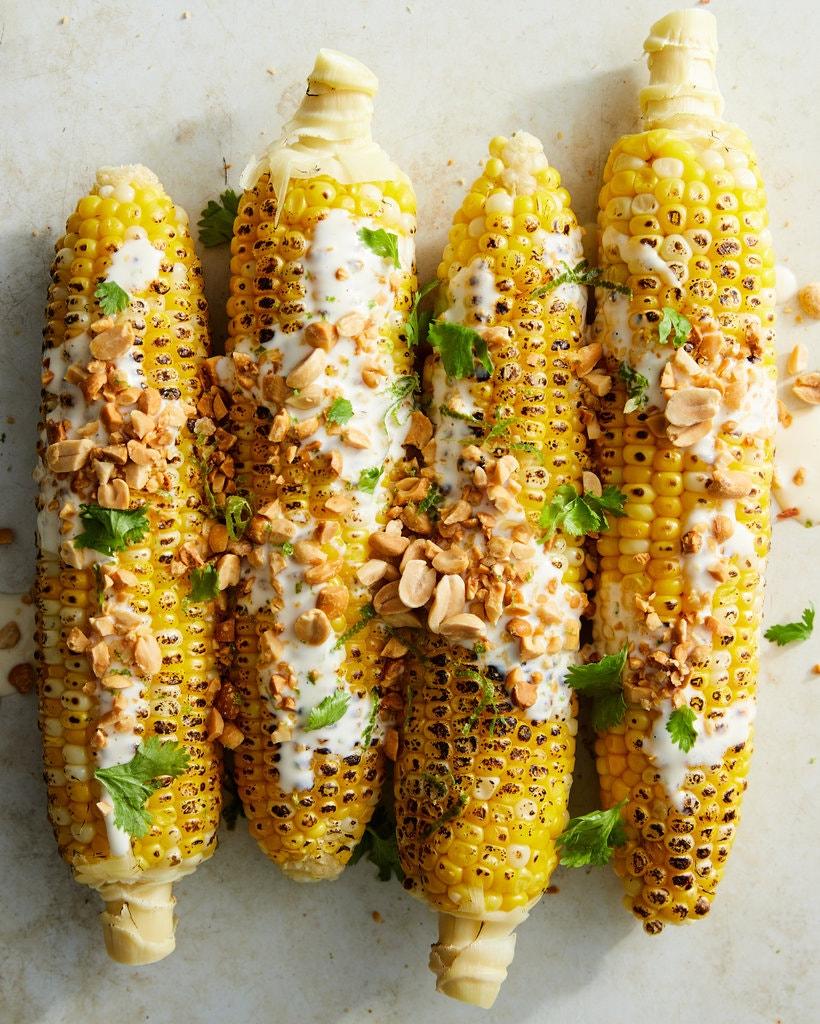 Kukorica lime-mal, halszósszal és mogyoróval