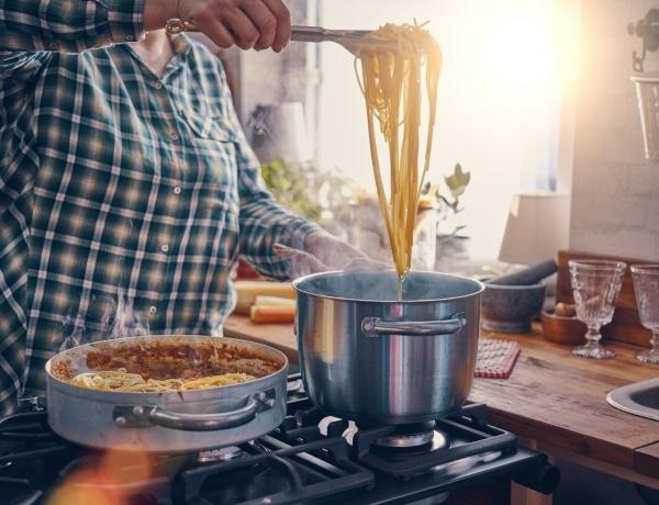 10 perc alatt elkészíthető tésztaszószok: gyors és izgalmas vacsorák