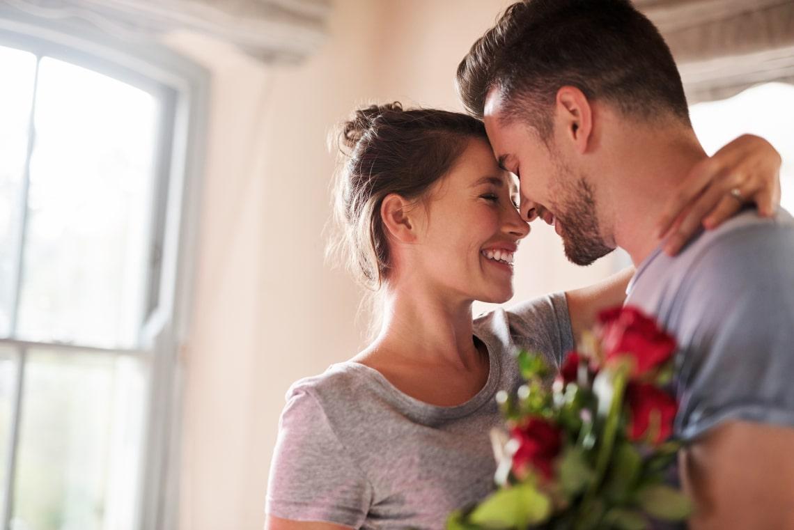 A vonzalom 4 testi jele, amit te is könnyen kiszúrhatsz a randin
