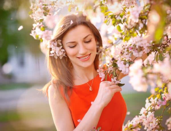 Így fotózzátok egymást tavasszal, ha varázslatos képeket szeretnétek – Inspiráló fotók következnek