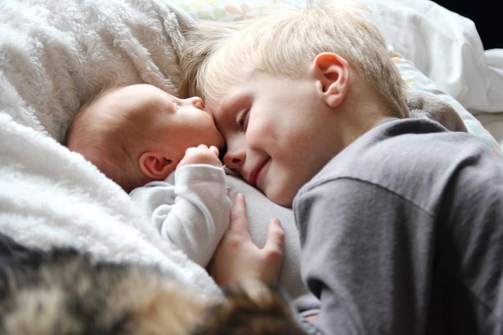 Így lehetnek jó testvérek – Tippek a testvérféltékenység ellen