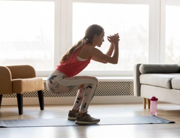 Így mozgasd át a teljes testedet otthon, kiegészítők nélkül