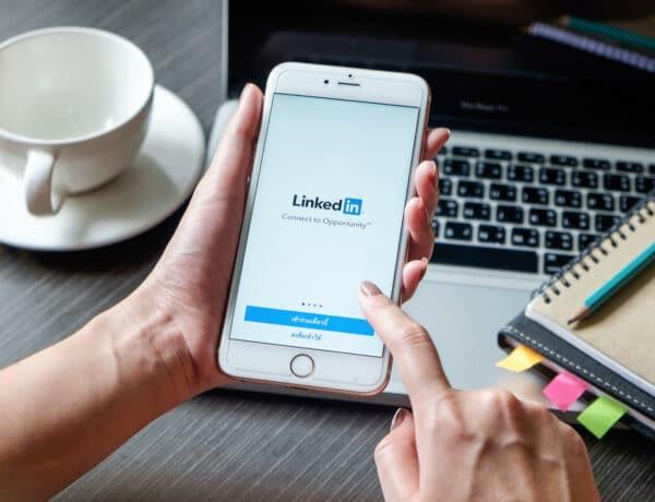 Így turbózd fel a LinkedIn profilodat, hogy tiéd legyen az álommeló
