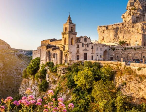 Ódon falvak, fennséges tengerpartok: 6 alig ismert olasz úti cél a romantika szerelmeseinek