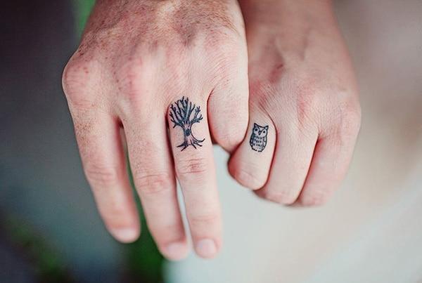 Örökre szólnak! Gyűrű helyett tetoválást választottak a párok