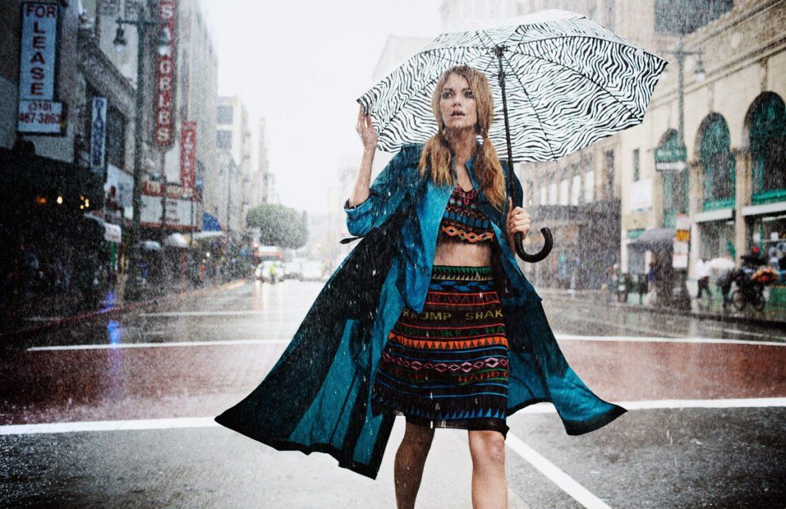Így öltözz az esős napokon – Tökéletes kiegészítők arra az esetre, ha leszakad az ég