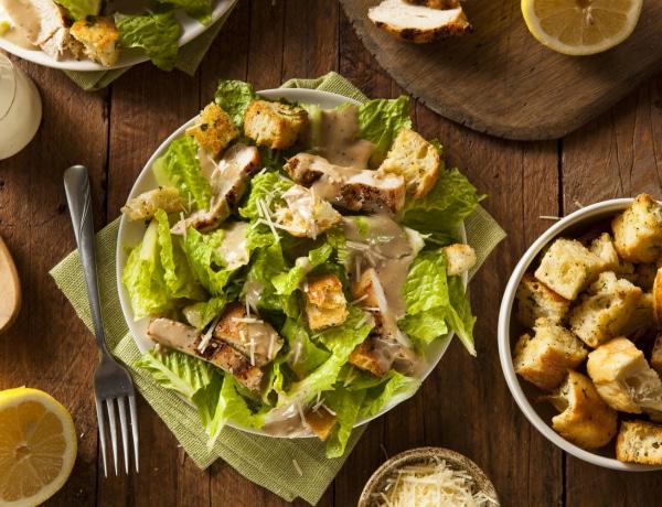 4 laktató csirkesaláta recept – Ha kiadós vacsorára vágysz