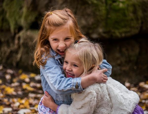 5 dolog, amit minden gyereknek tudnia kell a szeretetről és a szerelemről