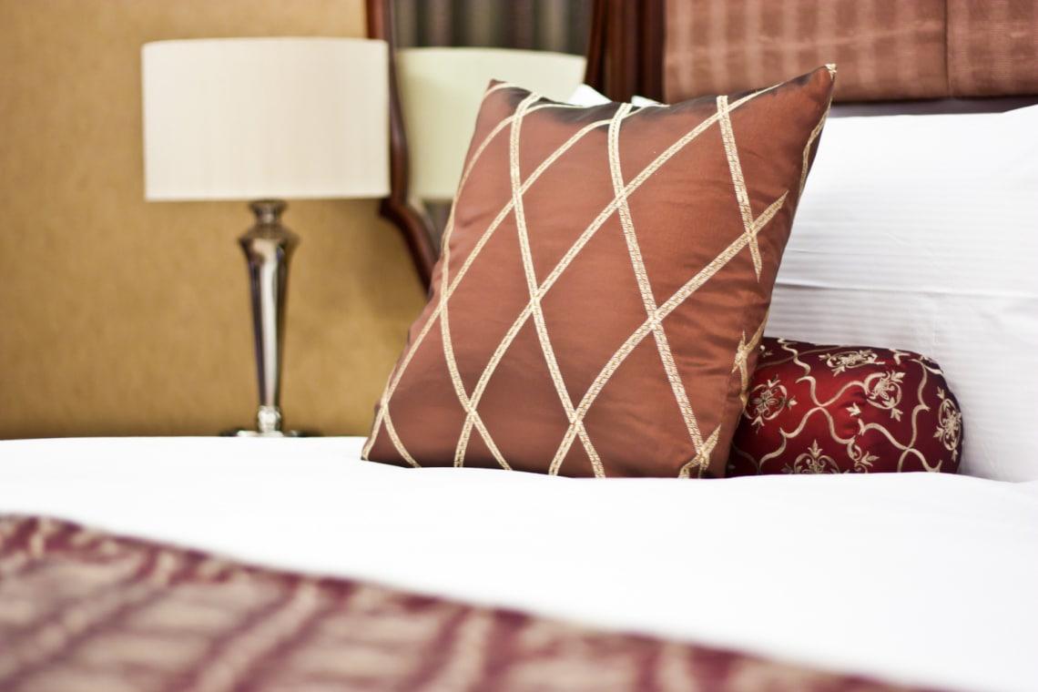 5 tárgy a hotelszobában, amit érdemes letakarítani, mielőtt hozzáérsz