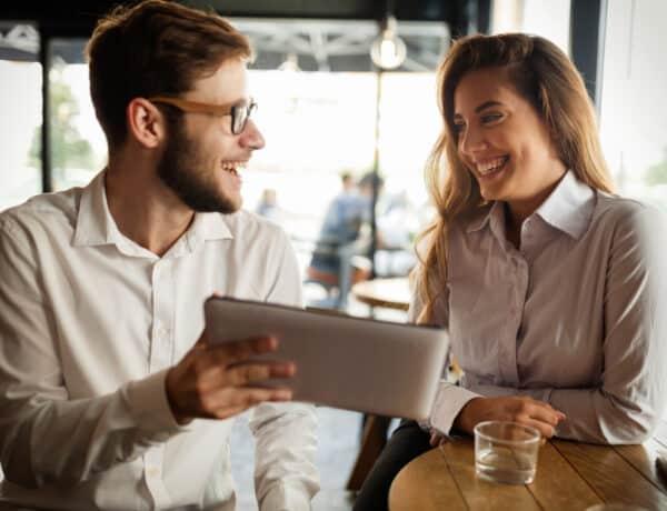 5 testbeszéd-trükk, hogy a munkatársaid jobban kedveljenek
