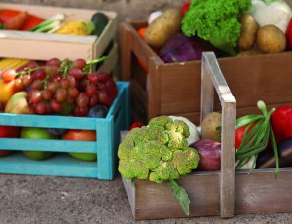 6 szuper tárolási hack, amivel a zöldségek és gyümölcsök tovább frissek maradnak