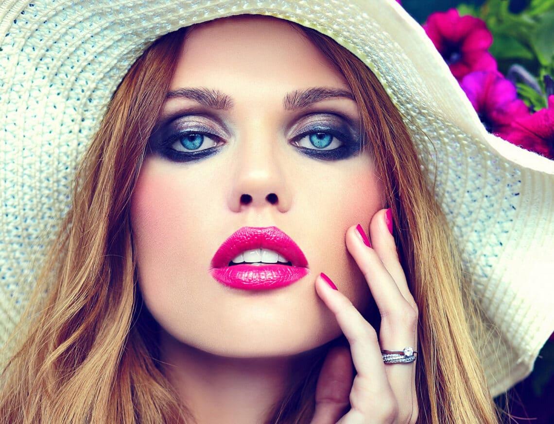 A legszebb élénk színű rúzsok: ezek most a legtrendibb árnyalatok