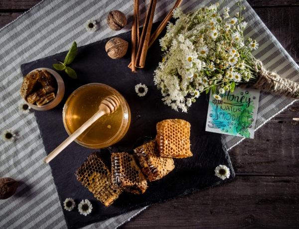 A méz kreatív felhasználása – Ennyi mindenre kipróbálhatod ezt az édes csodát