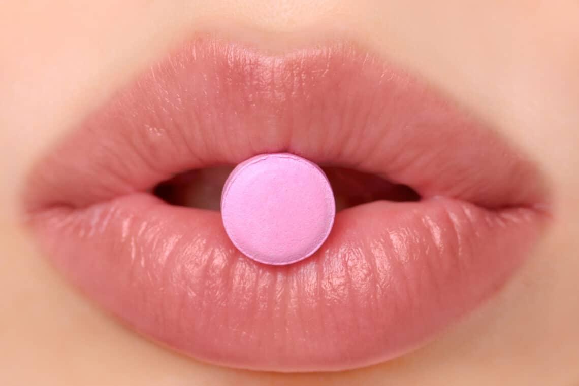 Ezek a fogamzásgátló tabletták leggyakoribb mellékhatásai