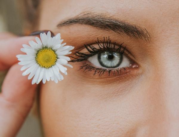 Ezeket az összetevőket keresd a szemkörnyékápolóban, ha minőségi terméket szeretnél