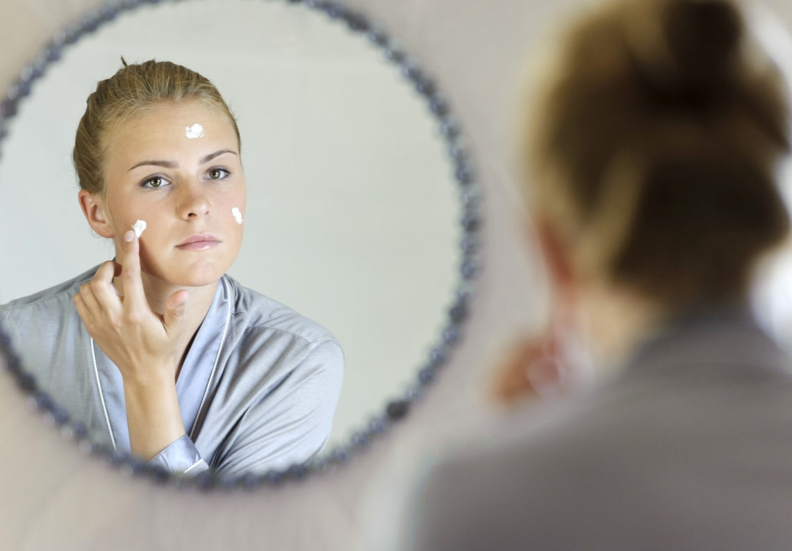 Ezt teszik a bőrgyógyászok, ha fiatalabb bőrrel akarnak ébredni