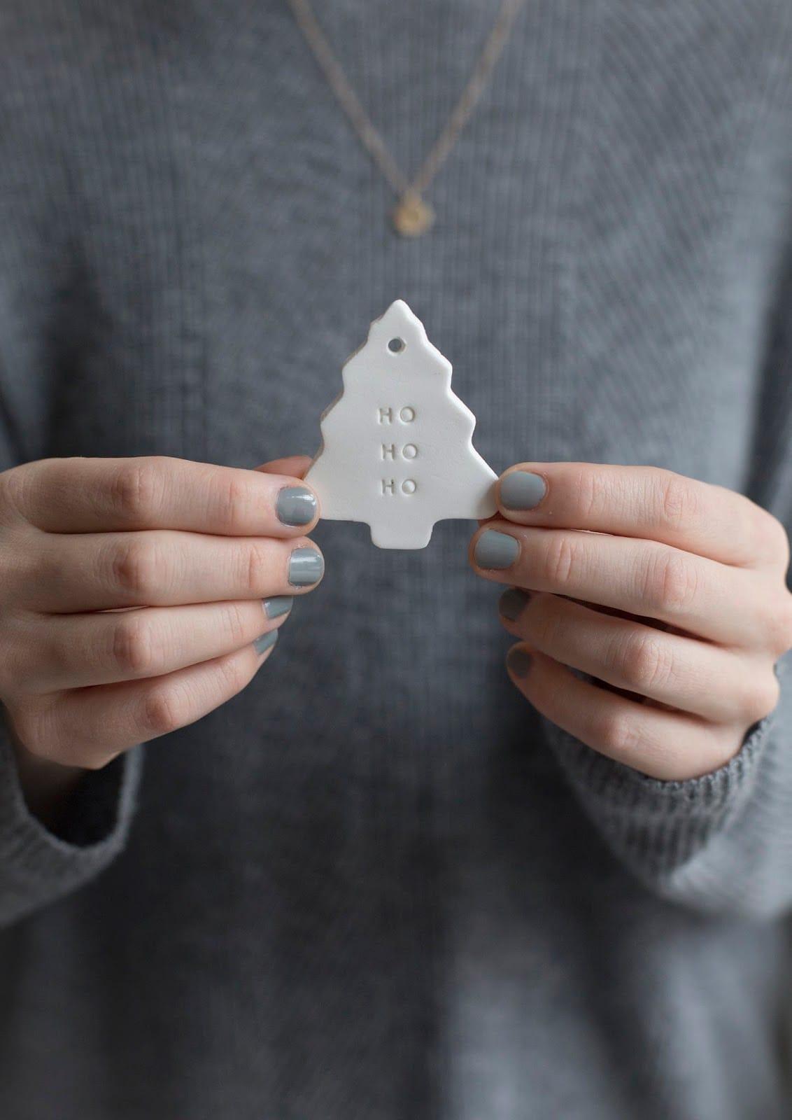 Hófehéren csillogó, házilag elkészíthető karácsonyi díszek – alaprecepttel