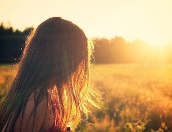 Hogyan készítsd fel a hajad a nyárra néhány egyszerű lépésben?