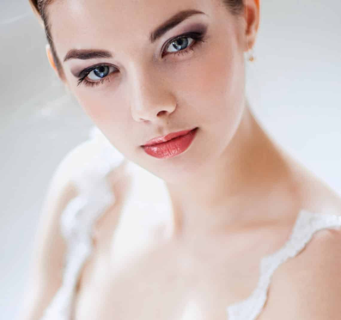 Káprázatos menyasszonyi smink 5 lépésben