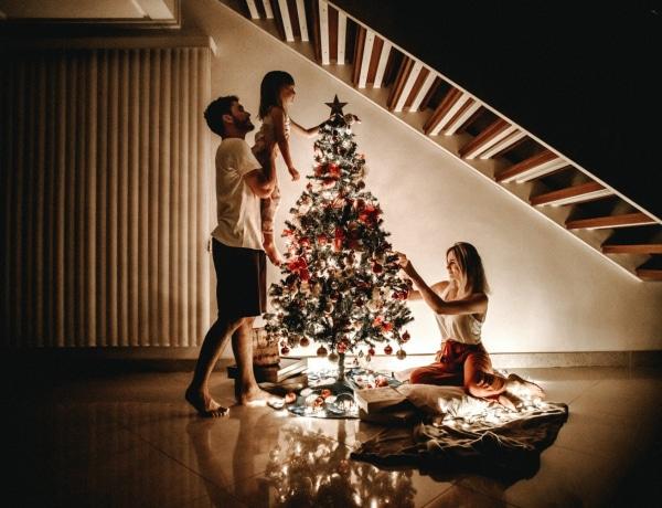 """""""Én családom, te családod…"""" – 5 párkapcsolati konfliktus, ami tipikusan karácsonykor jelentkezik"""