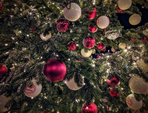 Ezt árulja el rólad, hogy milyen díszekkel dekorálod a karácsonyfát