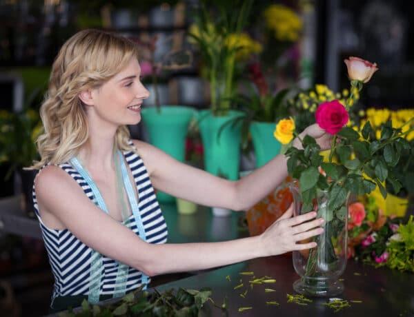 Milyen vázába milyen virág illik? Így rendezd el őket, hogy a legszebbek legyenek!
