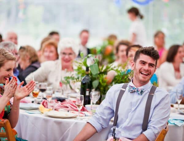 Nem a dekoráción múlik! Ezeken a dolgokon elégedetlenkednek a legtöbbet az esküvő vendégek