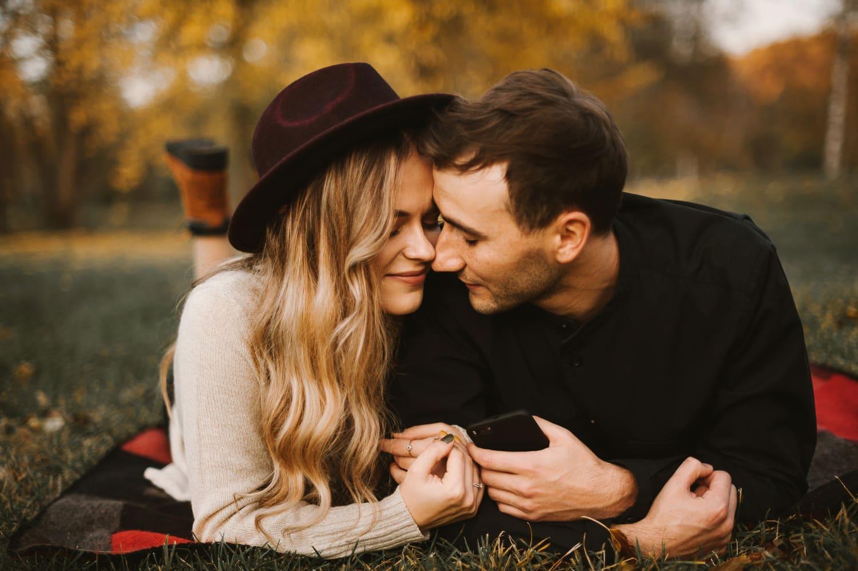 hány dátumokat kell a nőket, hogy szerelmes)