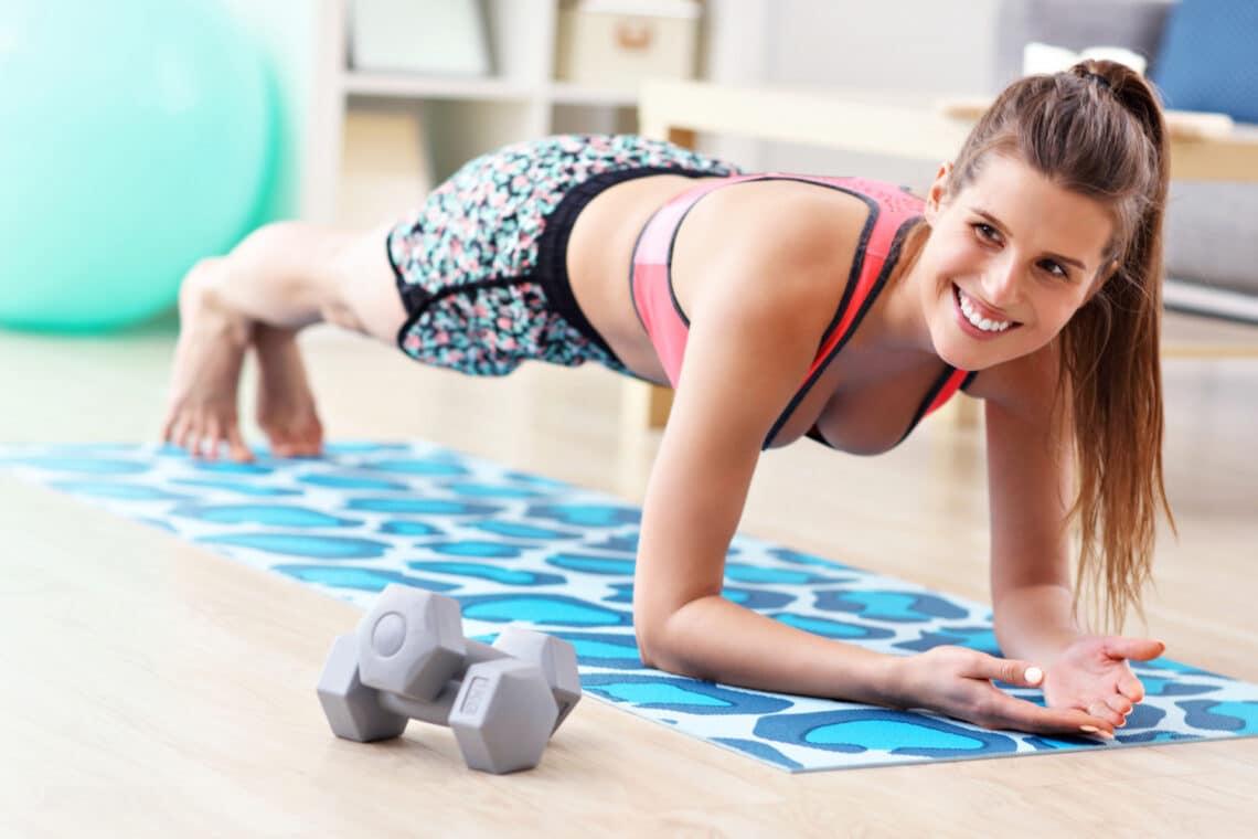 15 perces otthoni edzésterv a teljes test formálásához
