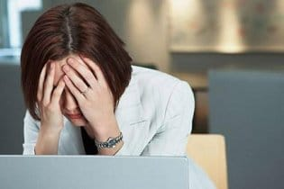 18 tipp, hogy fiatalnak mutass a recesszió idején is