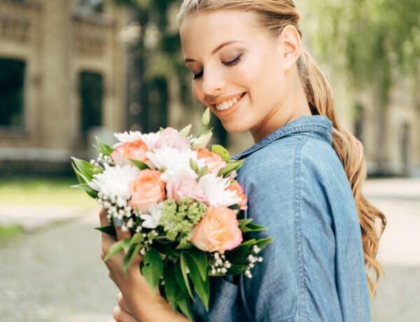 3 bevált trükk, hogy a vágott virág minél tovább szép maradjon
