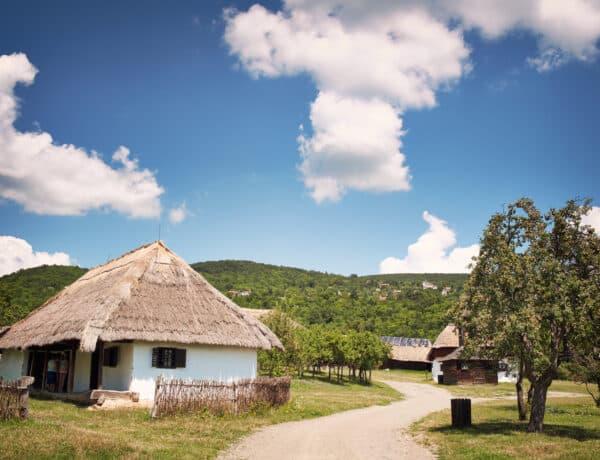 3 eldugott hazai falvacska, amit érdemes meglátogatnod