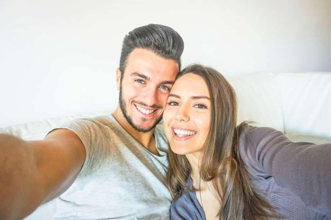 3 idegesítő párkapcsolati szokás, amiről csak azt hiszed, hogy jót tesz a szerelmeteknek