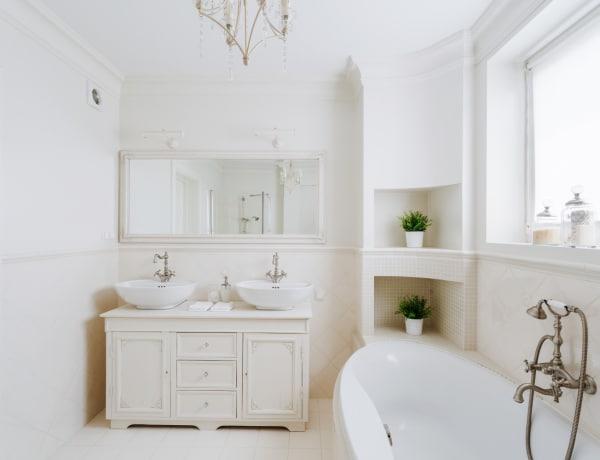 4 házi praktika a tiszta és illatos fürdőszobáért