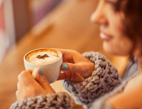 4 jel, hogy túl sok kávét iszol